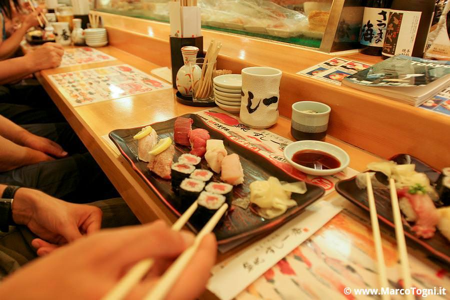 maki in un ristorante in Giappone